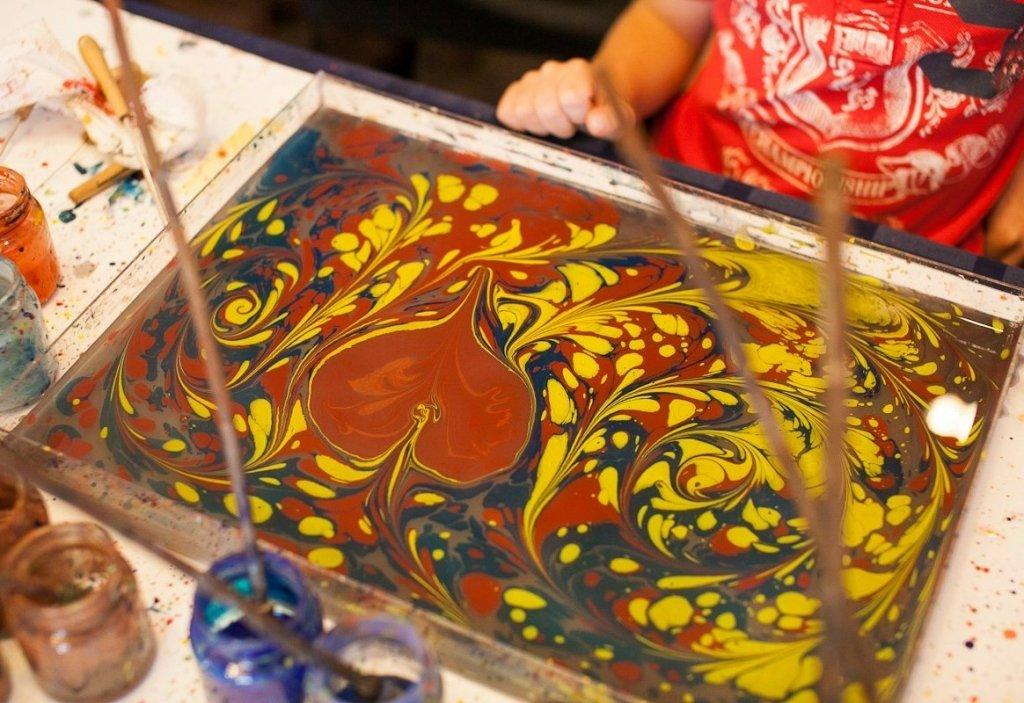 Рисовать по воде красками в домашних условиях 51